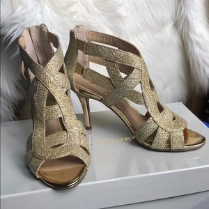 Marc Fisher Gold Glittery Heels , size 6